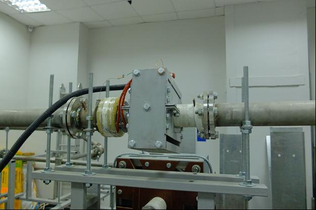 Расходомер для жидкого металла, установленный на натриевом контуре БНК  (ИМСС УрО РАН)